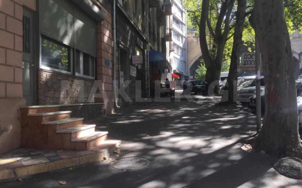 Сдаётся 60 m² площадь Коммерческая площадь в Ваке  на ул. Кекелидзе