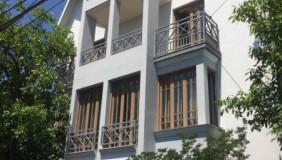 Продается или Сдаётся 11 комнатная  Частный дом на Сабуртало