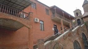 Продается 5 комнатная  Офис в Исани