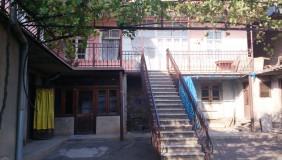 Продается 8 комнатная  Частный дом в Исани