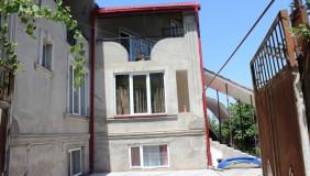 ქირავდება 13 ოთახიანი  საკუთარი სახლი ვაკეში