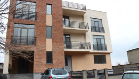 For Sale 16 room  Private House in Vake