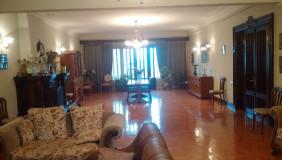 Продается 6 комнатная  Квартира на Сабуртало