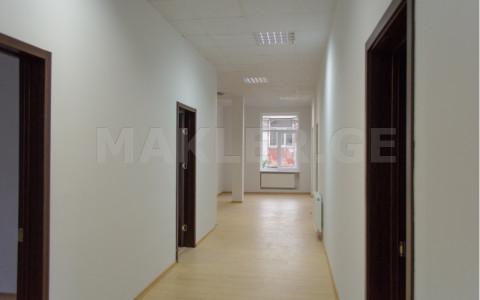 ქირავდება 10 ოთახიანი  ოფისი საბურთალოზე  დოლიძის ქუჩაზე