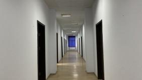 Satılık veya Kiralık 10   Büro & Ofis in Saburtalo