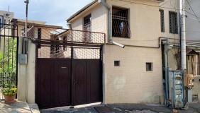 Продается 12 комнатная  Частный дом на Мтацминда