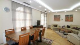 For Rent 5 room  Apartment in Mtatsminda