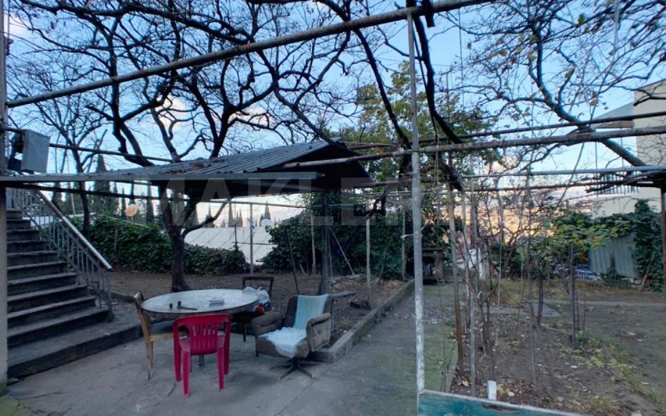 Продается 5 комнатная  Частный дом на Мтацминда  в I туп. Гогебашвили