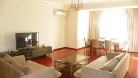 For Rent 3 room  Apartment in Mtatsminda