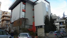Продается 10 комнатная  Офис в Ваке