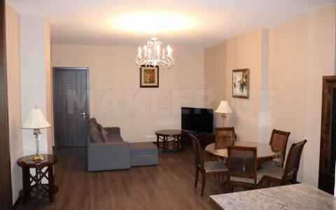 ქირავდება 4 ოთახიანი  ბინა ვაკეში  თ. აბულაძის ქუჩაზე