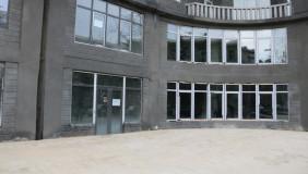 ქირავდება 175 m² ფართობის კომერციული ფართი საბურთალოზე