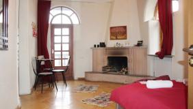 Продается 10 комнатная  Квартира на Мтацминда
