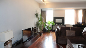 For Sale or For Rent 6 room  Apartment in Mtatsminda