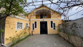 იყიდება 8 ოთახიანი  საკუთარი სახლი საბურთალოზე
