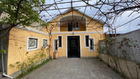 For Sale 8 room  Private House in Saburtalo