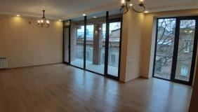 Продается 4 комнатная  Офис на Мтацминда
