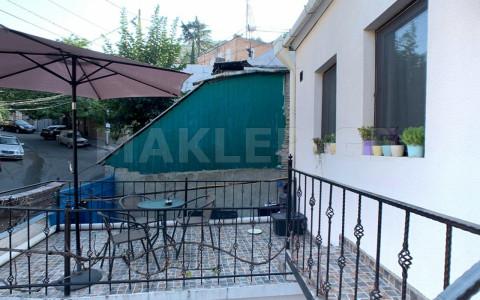 Продается 5 комнатная  Частный дом на Мтацминда  на ул. В.Сараджишвили