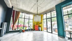 ქირავდება 130 m² ფართობის კომერციული ფართი ვაკეში