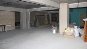 ქირავდება 200 m² ფართობის კომერციული ფართი საბურთალოზე