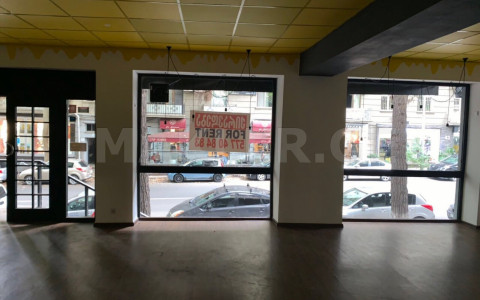 Сдаётся 110 m² площадь Коммерческая площадь в Ваке  на ул. И.Абашидзе