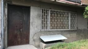 Satılık 160 m²  İşyeri in Saburtalo