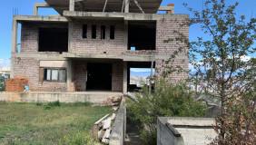Продается 24 комнатная  Частный дом в Ваке