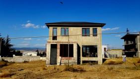 იყიდება 6 ოთახიანი  საკუთარი სახლი ნაძალადევში
