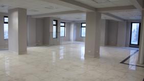 ქირავდება 4 ოთახიანი  ოფისი მთაწმინდაზე