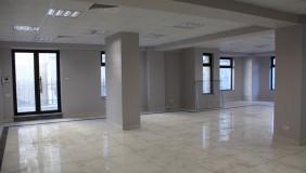 Kiralık 4   Büro & Ofis in Mtatsminda