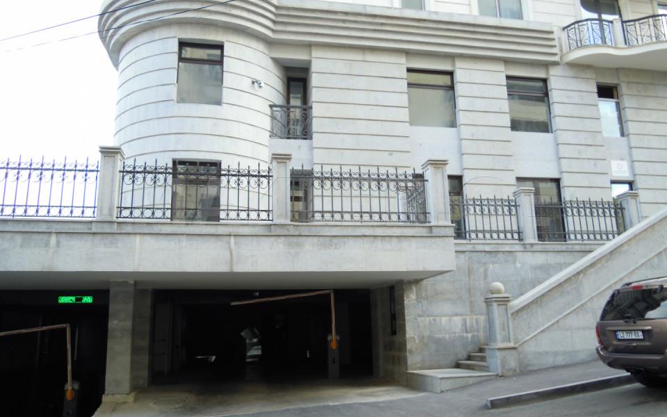 ქირავდება 4 ოთახიანი  ოფისი მთაწმინდაზე  შევჩენკოს ქუჩაზე