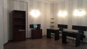 Продается 3 комнатная  Офис на Сабуртало