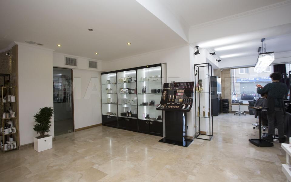 Сдаётся 248 m² площадь Коммерческая площадь в Ваке  на ул. Н. Рамишвили