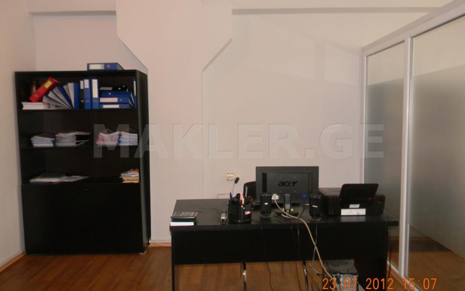 Продается 3 комнатная  Офис в Дидубе  на пр. А.Церетели