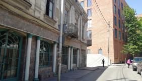Kiralık 400 m²  İşyeri in Chugureti