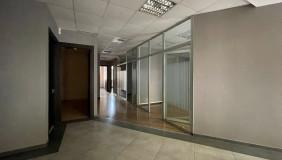 Сдаётся 6 комнатная  Офис в Ваке