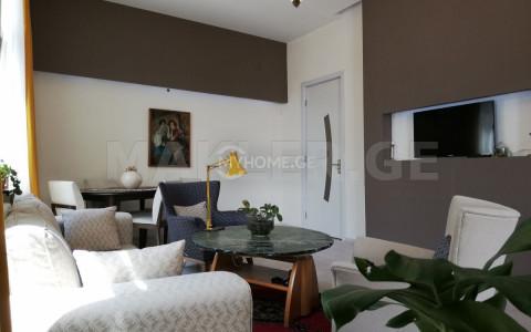 Продается 3 комнатная  Частный дом на Мтацминда  на ул. Цавкиси