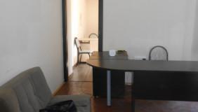 Сдаётся 2 комнатная  Офис в Чугурети
