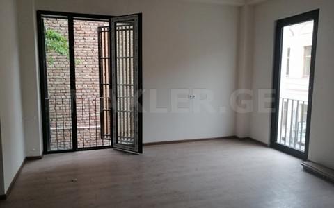 იყიდება 1 ოთახიანი  ოფისი მთაწმინდაზე  ათონელის ქუჩაზე