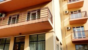 Продается 2300 m² площадь Коммерческая площадь в Чугурети