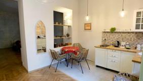 Продается 1 комнатная  Квартира на Мтацминда