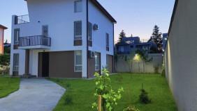 Сдаётся 5 комнатная  Частный дом на Сабуртало