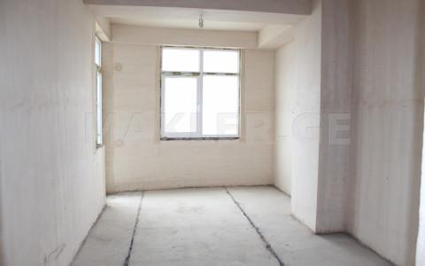 იყიდება 4 ოთახიანი  ბინა ვაკეში  თ. აბულაძის ქუჩაზე