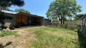 Сдаётся 4 комнатная  Частный дом на Мтацминда