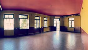 იყიდება ან ქირავდება 150 m² ფართობის კომერციული ფართი მთაწმინდაზე