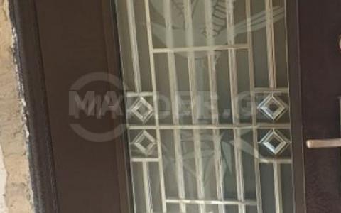 Продается 4 комнатная  Квартира на Мтацминда  на ул. Г.Табидзе