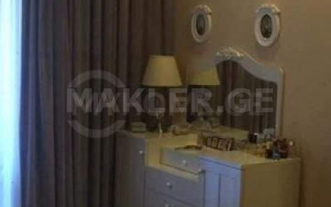 Продается 2 комнатная  Квартира в Ваке