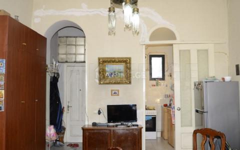Продается 2 комнатная  Квартира на Мтацминда  на ул. А.Чавчавадзе