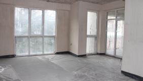 Продается 4 комнатная  Квартира на Сабуртало