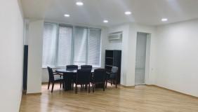 Satılık veya Kiralık 4   Büro & Ofis in Vake